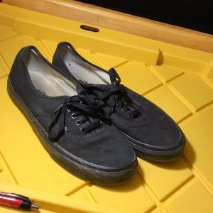 Black canvas Vans shoes (used)